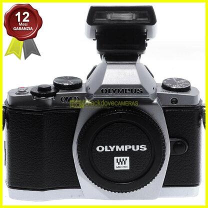 Mirrorless-Olympus-OM-D-E-M5-body-Silver-16Mp-MFT-Micro-43